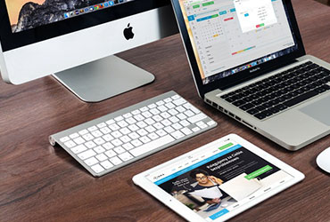 apple-laptop-notebook